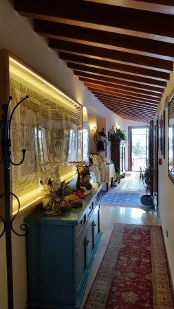 couloir donnant sur la terrasse - Picture of B&B Terrazze di ...