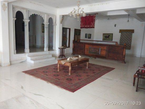 Hotel Amar Kothi: Lobby