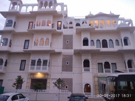 Hotel Amar Kothi: Hotel Front