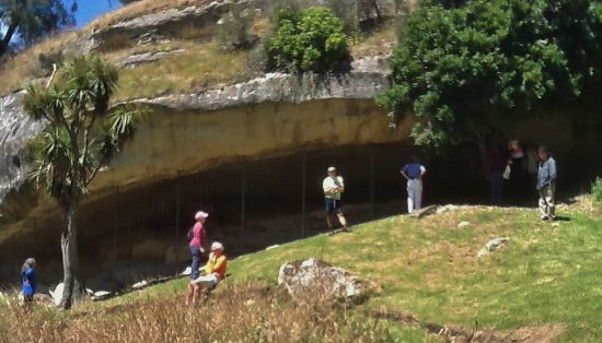 Timaru, New Zealand: Cave opening