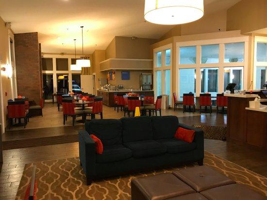 Spokane Valley, WA: Lobby/breakfast area