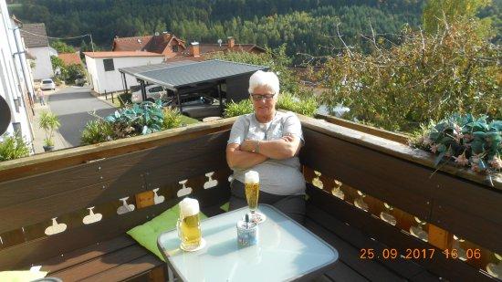 Rothenberg, Alemanha: Heerlijk op het terras, na een langere autorit