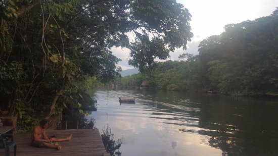 Hotel Finca Tatin: Photo of the river from the dock