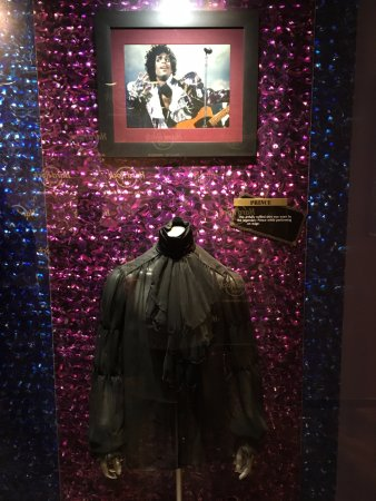 Hard Rock Cafe Mall of America: Of course: Prince!!