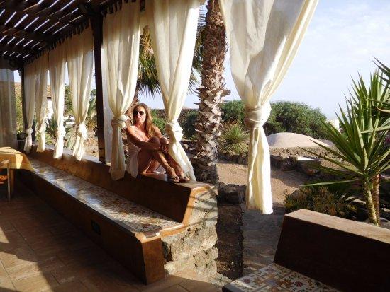 Scauri, Италия: ammirando il panorama dalla veranda