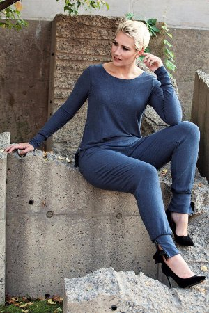 Almonte, Canada: Bamboo line featuring our lounge top and pants. Super soft!