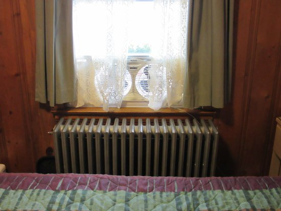Trail Riders Motel: Quaint furnishings