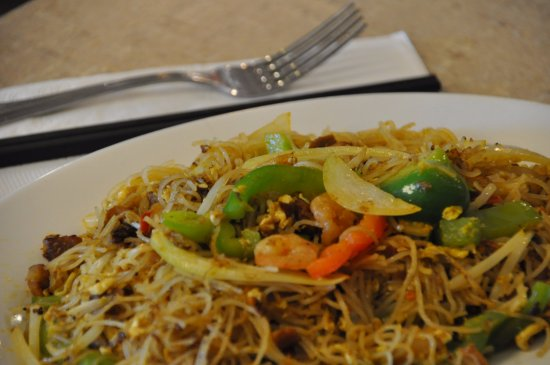 Fort Saskatchewan, Canadá: SINGAPOREAN STYLE FRIED VERMICELLI