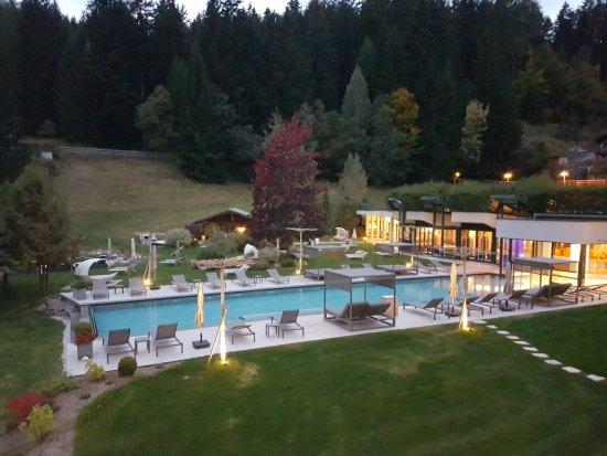 Alpine Spa Resort Viktoria: 20170929_191751_large.jpg