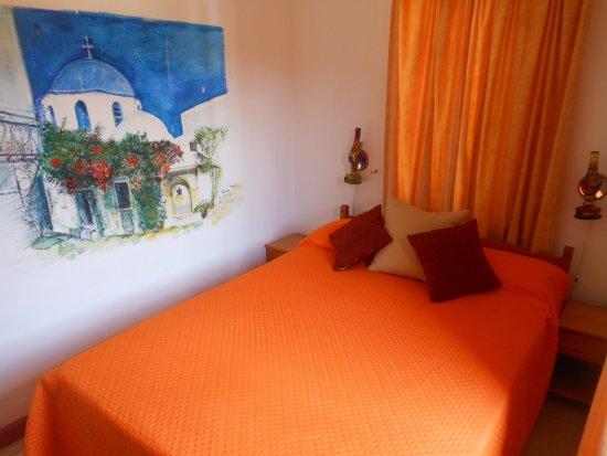 Kiniras Hotel: La camera