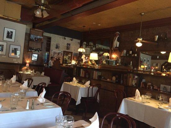 Kingston, NY: Inside facing bar
