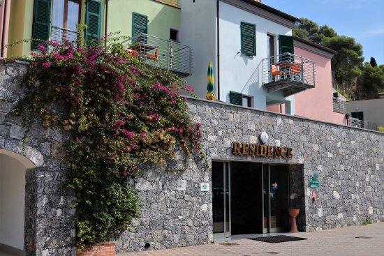 Residence Le Terrazze $101 ($̶1̶1̶2̶) - Prices & Condominium ...