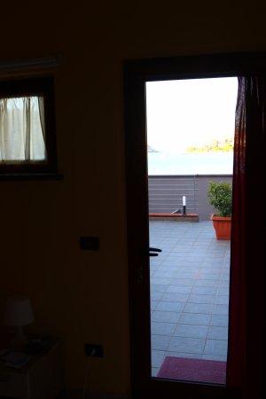 вид из номера на море - Picture of Residence Le Terrazze, Porto ...