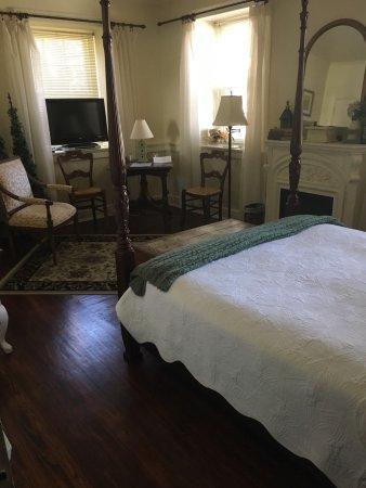1777 Americana Inn Bed & Breakfast: photo3.jpg