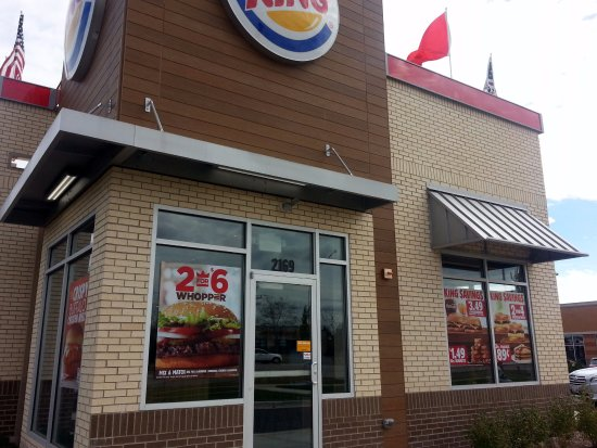 Carpentersville, IL: front of & entrance to Burger King