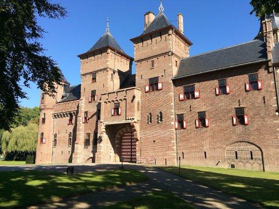 Haarzuilens, The Netherlands: Uno de los accesos al interior del castillo