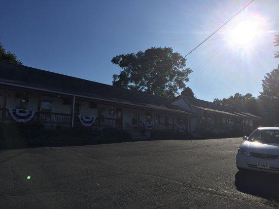 Hillside Motel: photo2.jpg