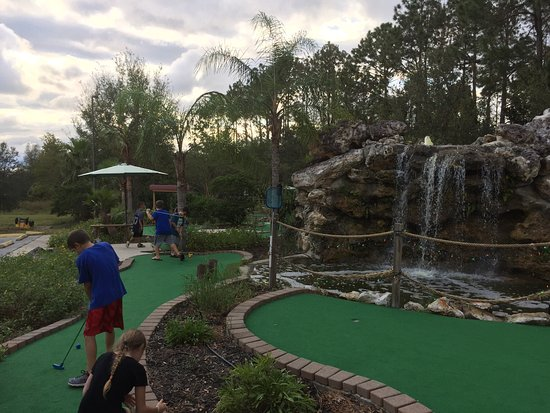 Putt-Puttin' in Paradise