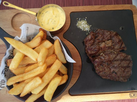Bogazici, Turquia: Fantastically cooked steak, flavourful, tender, simply excellent!