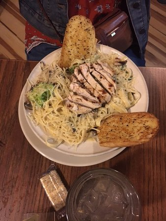 Hot Springs, VA: Chicken Alfredo