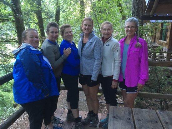 Merlin, Oregón: Fabulous girls hiking/ rafting get away