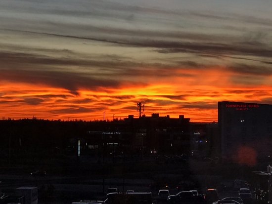 Hampton Inn by Hilton Edmonton/South: Sunset from room 422