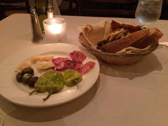 Manhasset, NY: Cafe Continental