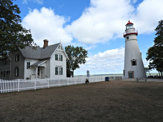 Marblehead, OH: The light and museum