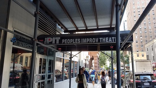 ‪People's Improv Theater - The PIT‬