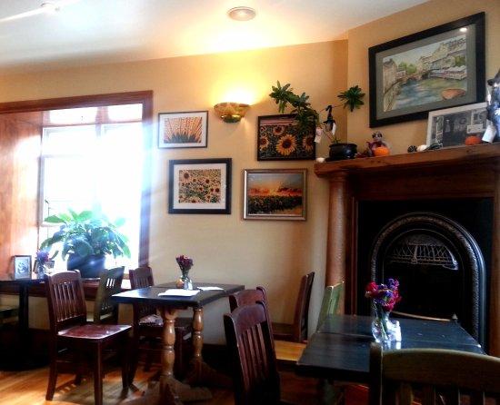 The Sunflower Bake Shop: Sunny little bakery & Cafe