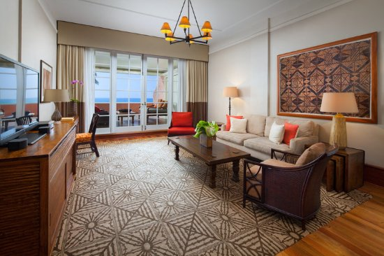 The Royal Hawaiian, a Luxury Collection Resort: Kamehameha Suite Living Room