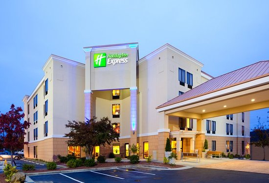 Stay along I-85 at the Holiday Inn Express Durham hotel.