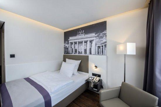 Europa Hotel: Guestroom SGS