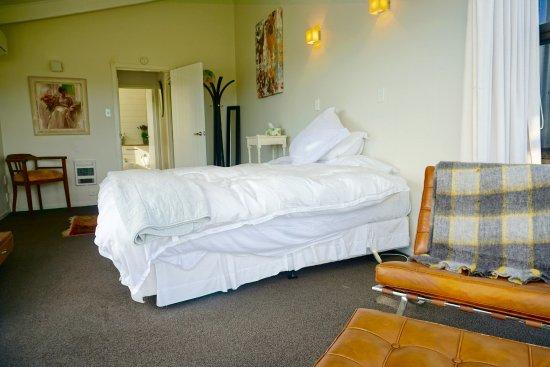 Le Chalet Waiheke Apartments : Guest Room
