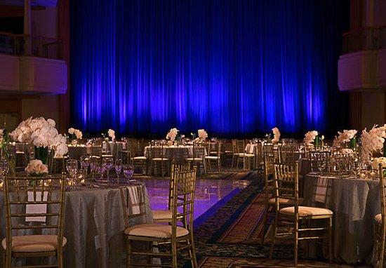 Renaissance Cleveland Hotel : Grand Ballroom – Wedding Setup