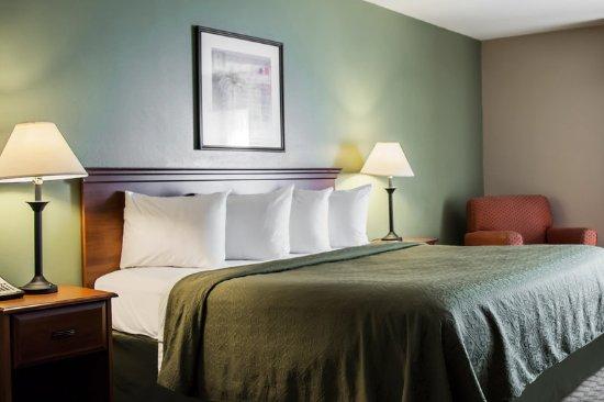 Quality Inn Suites Near Fairgrounds Ybor City FLANK