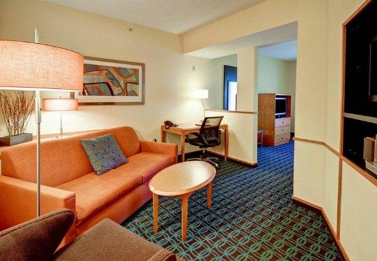 Malta, NY: Suite Living Area