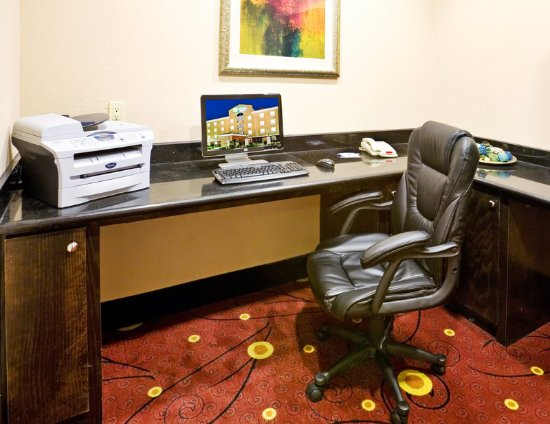 Holiday Inn Express Hotel & Suites Royse City - Rockwall Area: Business Center