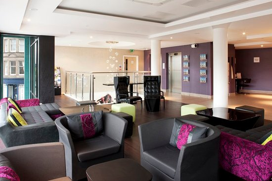 Holiday Inn Express Dundee: Lobby Lounge