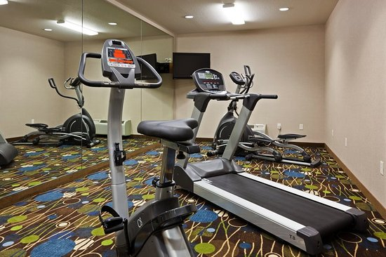 Holiday Inn Express Antigo Fitness Center