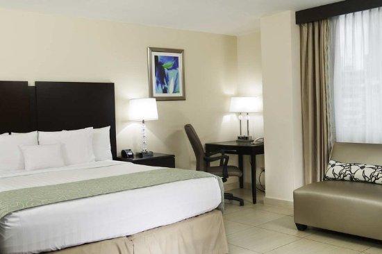 DoubleTree By Hilton Panama City: King Bed Non Smoking