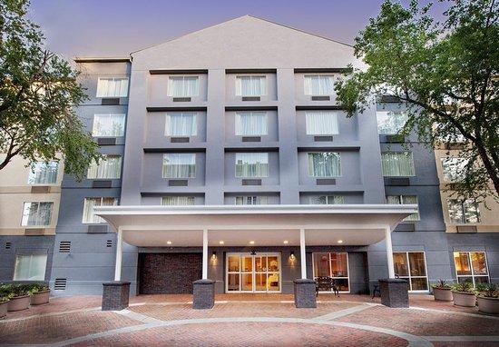 Fairfield Inn & Suites by Marriott Atlanta Buckhead: Exterior