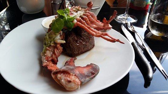 Restaurant RED: lobster and steak
