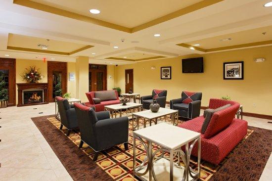 Talladega, AL: Hotel Lobby