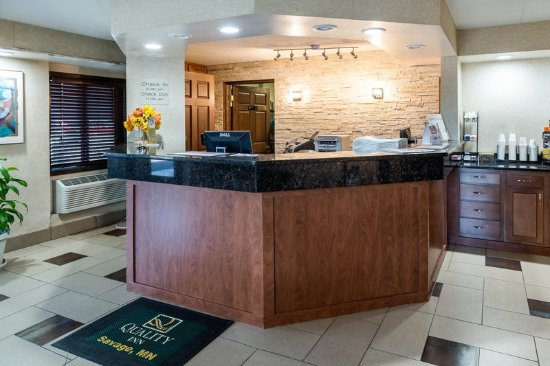 Savage, MN: Front Desk