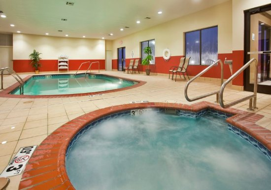 Holiday Inn Express Hotel Suites Pryor