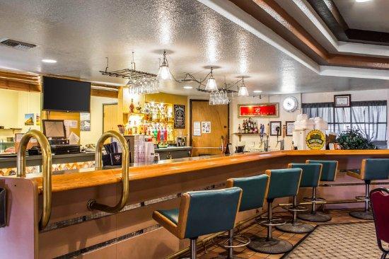 Quality Inn Winslow: Bar/Lounge