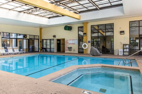 Quality inn national fairgrounds area updated 2017 hotel for Pool show agricenter