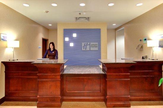 Holiday Inn Express Hotel & Suites Brockville: Friendly faces delivering genuine service