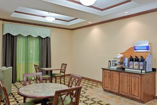 Dumas, TX: Breakfast Bar